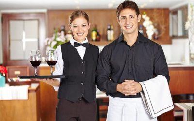 Работа официанта (возможна семейная пара):