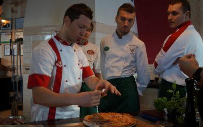 Робота на кухні (піцерія, кебаби):